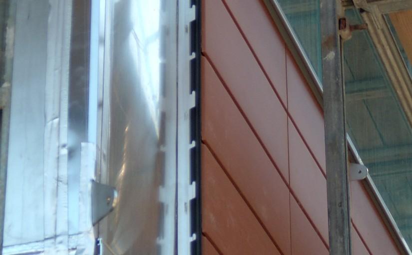 Teracota montata ventilat in structura de perete cortina