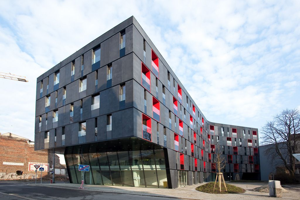 ventilated facades with glass fiber reinforced concrete